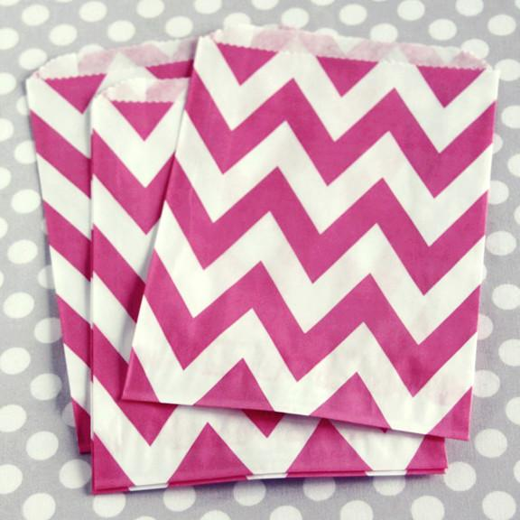 Pink Chevy Chic Treat Bags -19 Amazing Valentine's Day Home Decorating Ideas