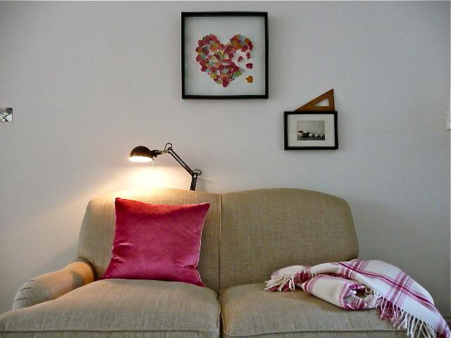 Pretty heart wall art - 50 Creative Home Decorating Ideas