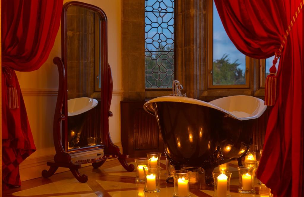 Beautiful Romantic Bathtub. 10 Beautiful Tubs for Love   Mind   Body   Love   Romance   Bath