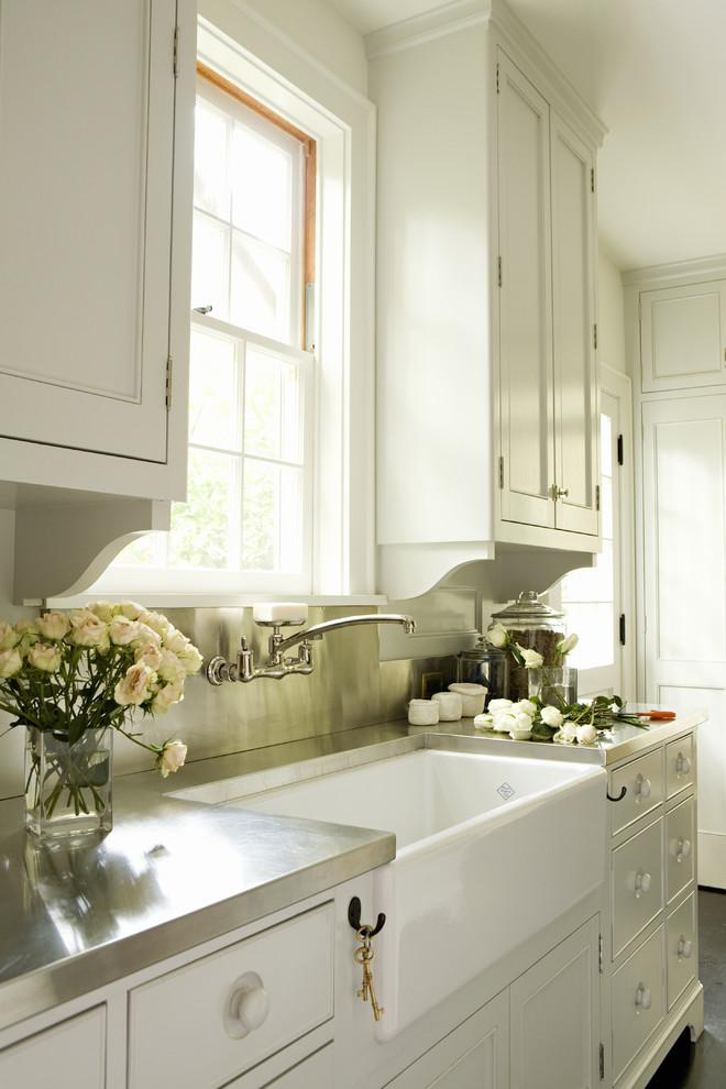 Romantic flowers placed in the kitchen - Create an Atmosphere for Saint Valentine's Day