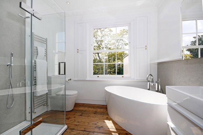 Stylish bathroom with an eclectic touch in a Victorian house - A modern look at an Old Home in London