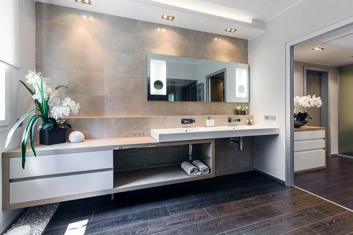 Luxurious minimalist bathroom design - Stylish and Elegant Apartment in Monaco