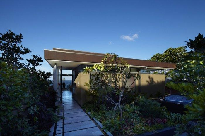 The main entrance to the dream house Overlooking the Pacific Ocean in Sydney