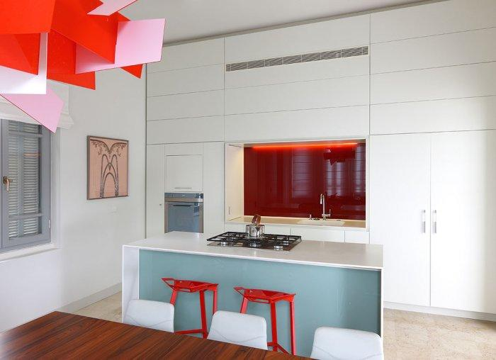 Ultra modern kitchen in red and pink - 50 Creative Home Decorating Ideas