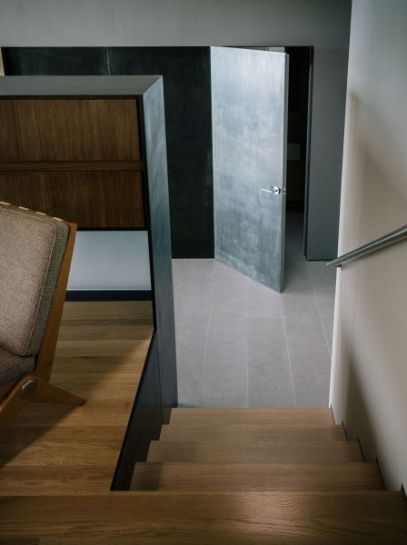 A look towards the main entrance of the loft-The interior design of a contemporary property in San Francisco