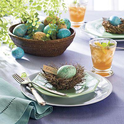 Bird's nest with decorative green egg-Unique, Fresh and Exciting Easter Table Decoration Ideas