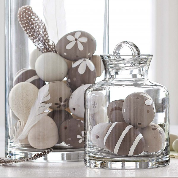 Easter eggs in hurrican jars - 44 Home Decoration Ideas for table, living room and door