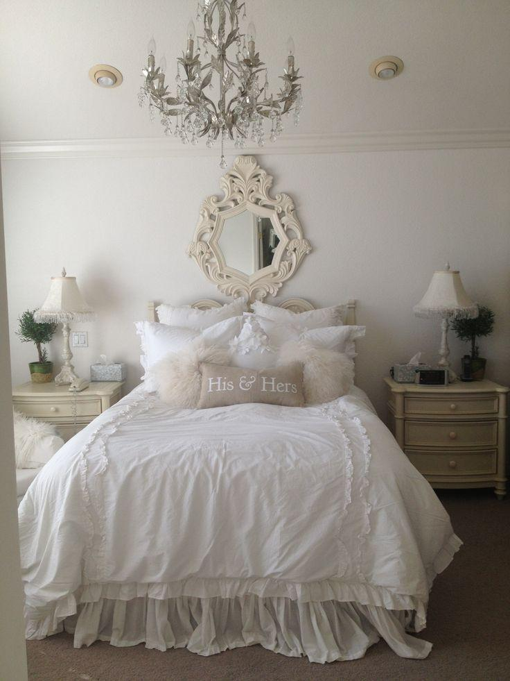 Charming Elegant Bedroom With Beautiful Classic Crystal Chandelier