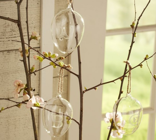 Elegant tree branches and transparent glass Easter eggs - 44 Home Decoration Ideas for table, living room and door