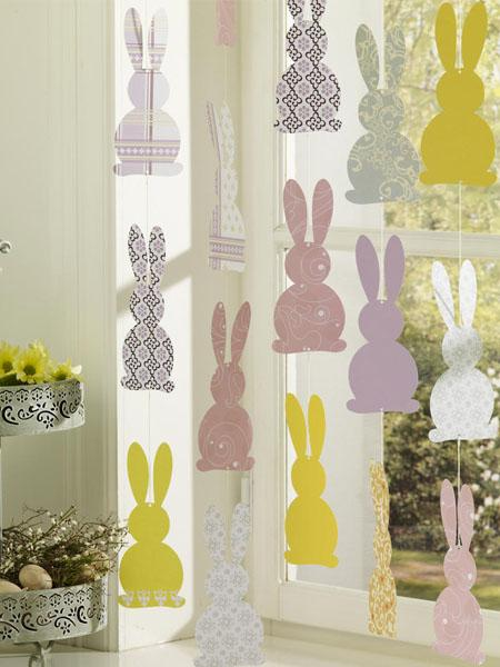 Fensterdeko-Ostern-selber-machen-03-Hasengirlande - 44 Home Decoration Ideas for table, living room and door