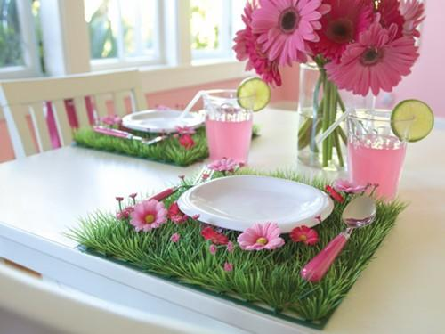 Fresh spring arranged dining table-Unique, Fresh and Exciting Easter Table Decoration Ideas