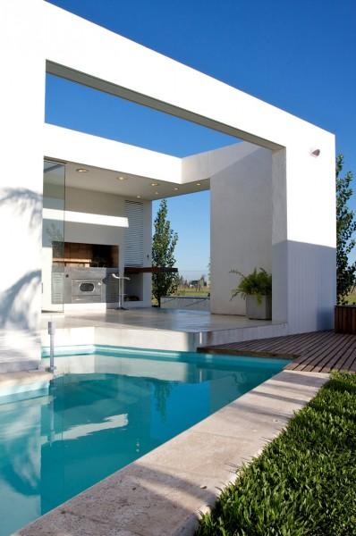 Minimalist open-plan front deck-Extermely tiny modern home by VismaraCorsi Arquitectos