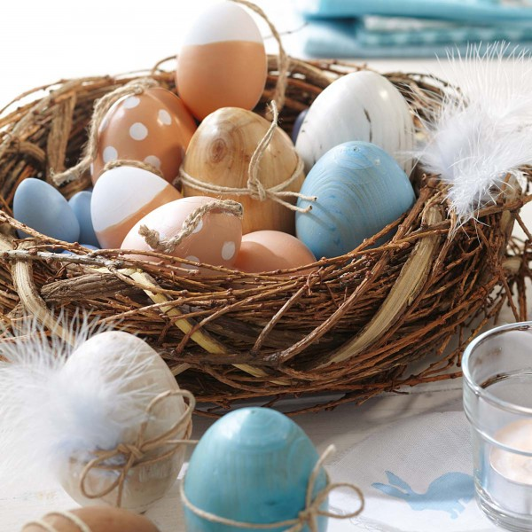 Natural inspired Easter egg basket centerpiece - 44 Home Decoration Ideas for table, living room and door