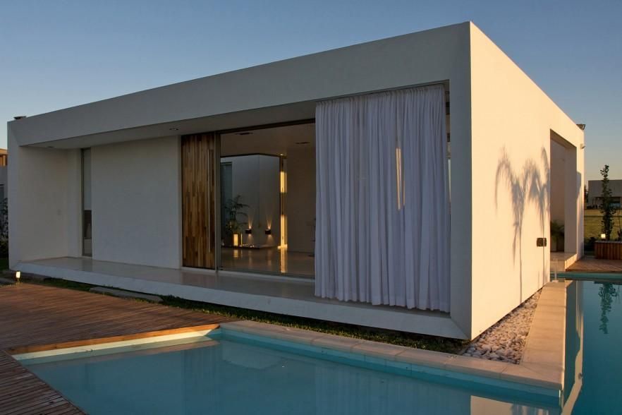 Small Minimalist House Architecture By Vismaracorsi