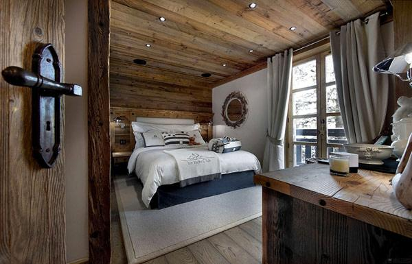 amazing-contemporary-rustic-small-bedroom-in-a-mountain-villa- Le Petit Chateau in the French Alps