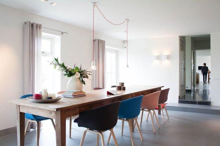 Clutter-free interior of a dining room - 10 Tips for Creating a Home Paradise in Urban Areas
