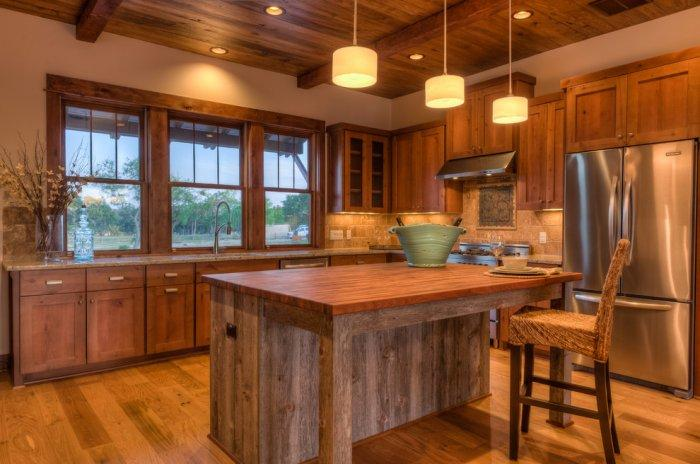 Kitchen design with forgo upper cabinets and huge windows - 16 Advices and Examples for Creating a Cozy Atmosphere in the Cooking Areas