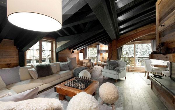 luxurious-and-cozy-living-room-in-a-mountain-cottage