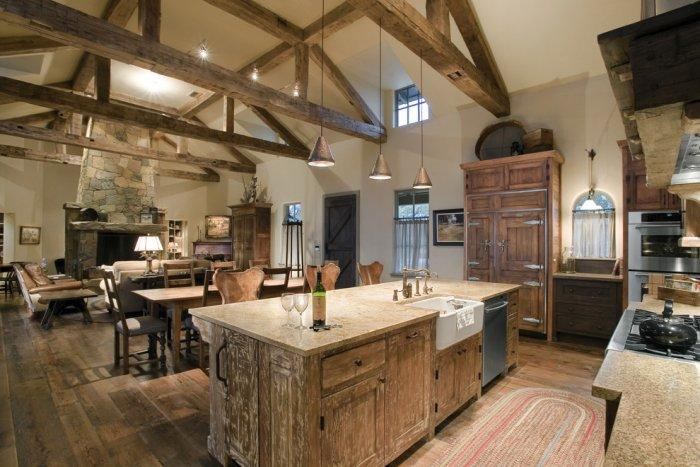 Spacious rustic kitchen with a lot of textiles - 16 Advices and Examples for Creating a Cozy Atmosphere in the Cooking Areas