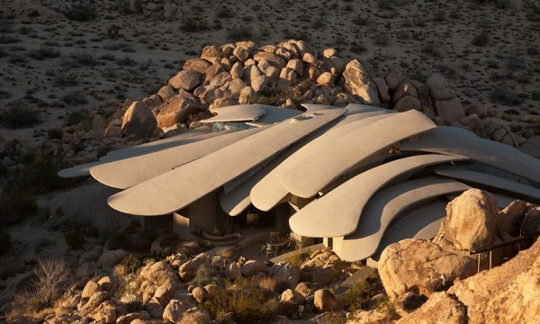 A view above the house-Organic Desert Residence - Architecture and Interior Design
