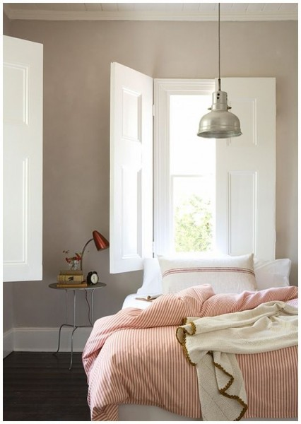 Bedroom in reddish neutral colors– elegant interior design for sleeping rooms