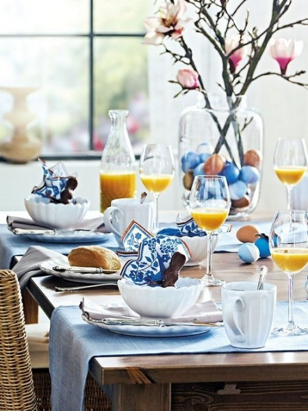 Blue themed destive table– Inspiring Easter Decorating Ideas for a Memorable Holiday