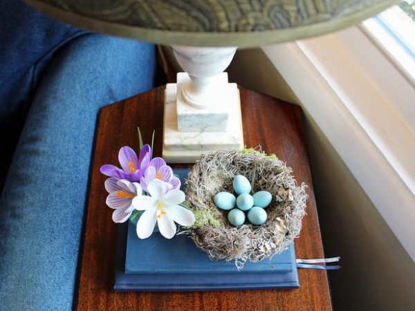 Camille Smith-Easter robins egg inside a small-nest – home decorating ideas for funny and joyful atmosphere