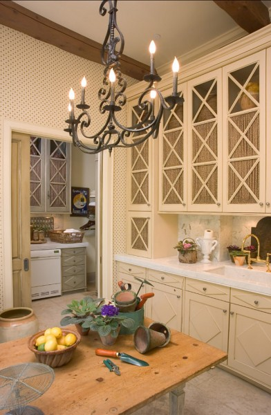 Classic kitchen chandelier made of wrought iron-42 Kitchen Interior Design Trends for Traditional Homes