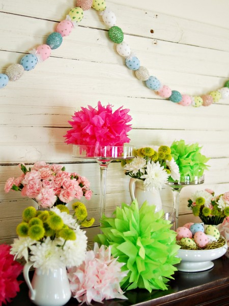 Colorful Easter eggs garland – home decorating ideas for funny and joyful atmosphere