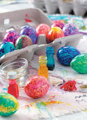 Colorful painted Easter eggs-home decorations with impressive holiday ideas