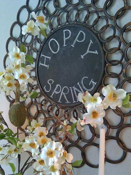 Creative chalkrboard Easter message – home decorating ideas for funny and joyful atmosphere
