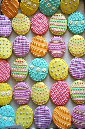 Creative colorful Easter egg cookies-home decorations with impressive holiday ideas