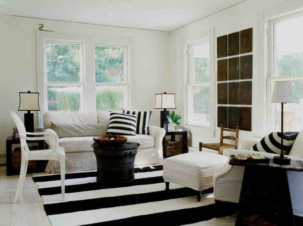 Crisp black and white Shabby Chic