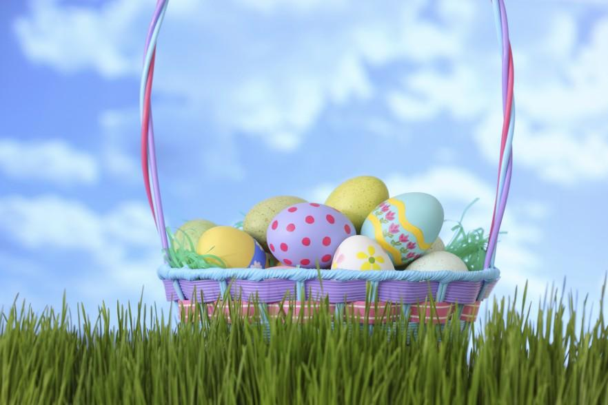19 easter baskets full of gifts eggs bunnies and candies 19 easter baskets full of gifts eggs bunnies and candies negle Images