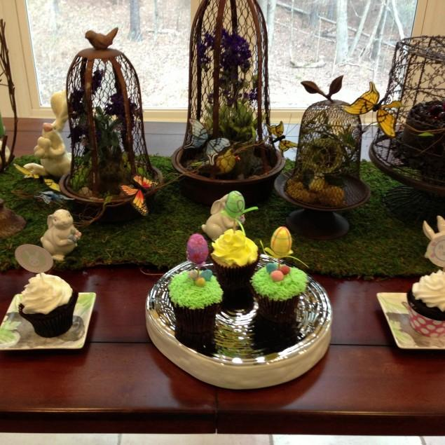 Easter Decoration Ideas with Eggs, Flowers and Paper