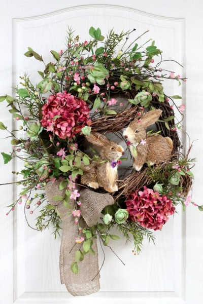 Easter Door Wreath made of natural materials-home decorations with impressive holiday ideas