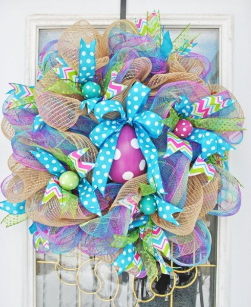 Easter Egg Wreath in vibrant pastel colors-home decorations with impressive holiday ideas