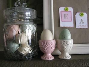 – 19 Fantastic Easter Fireplace Mantle Decorating Ideas
