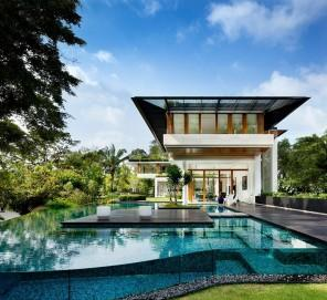 Residence in Singapore Displaying Luxurious Brilliance