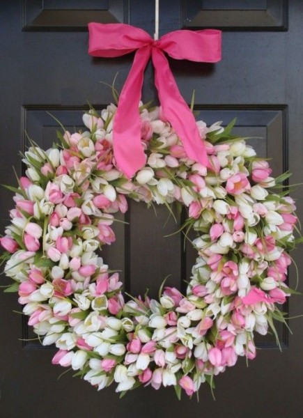 Fresh spring Easter wreath made of pink and white tulips-home decorations with impressive holiday ideas