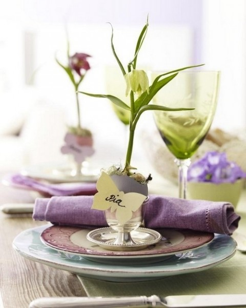 Fresh spring arranged dining rable– Inspiring Easter Decorating Ideas for a Memorable Holiday