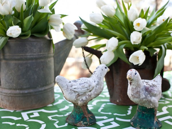 Funny Easter Can Vases – home decorating ideas for funny and joyful atmosphere