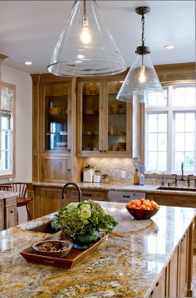 Island Glass Pendants-42 Kitchen Interior Design Trends for Traditional Homes