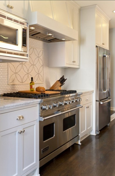 Mini Bricks Backsplash & White Granite-42 Kitchen Interior Design Trends for Traditional Homes