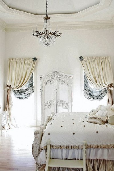 Romantic French cottage bedroom in white- interior design ideas for own, private, intimate place.