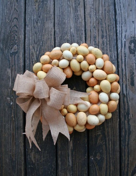 Rustic Easter Wreath made of hollowed eggs-home decorations with impressive holiday ideas