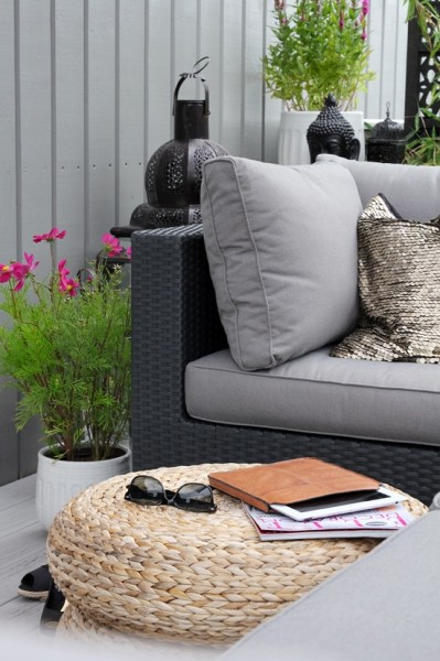 Scandinavian balcony in contemporary style-Trendy designs for outdoor home spaces