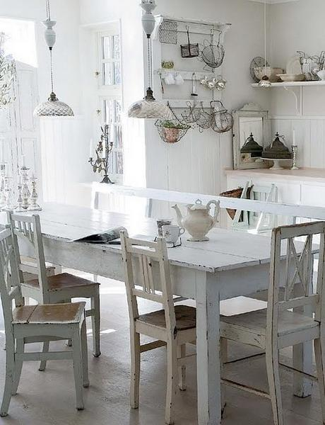 Shabby chic dining area- interior design and home decorating ideas