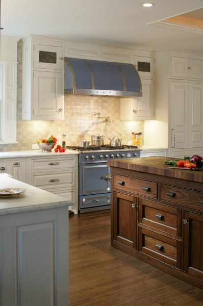 Simple and clean vintage kitchen design-42 Kitchen Interior Design Trends for Traditional Homes