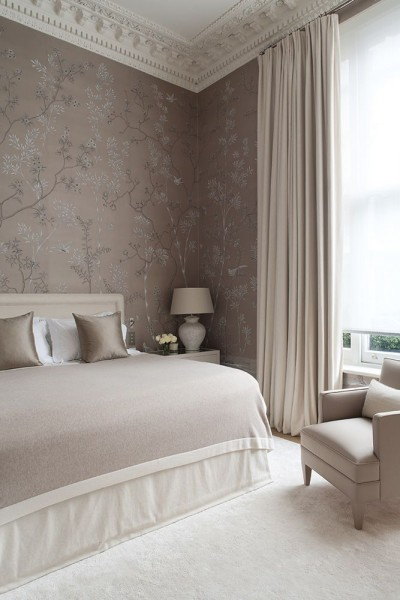 Soft neutral colored bedroom– elegant interior design for sleeping rooms